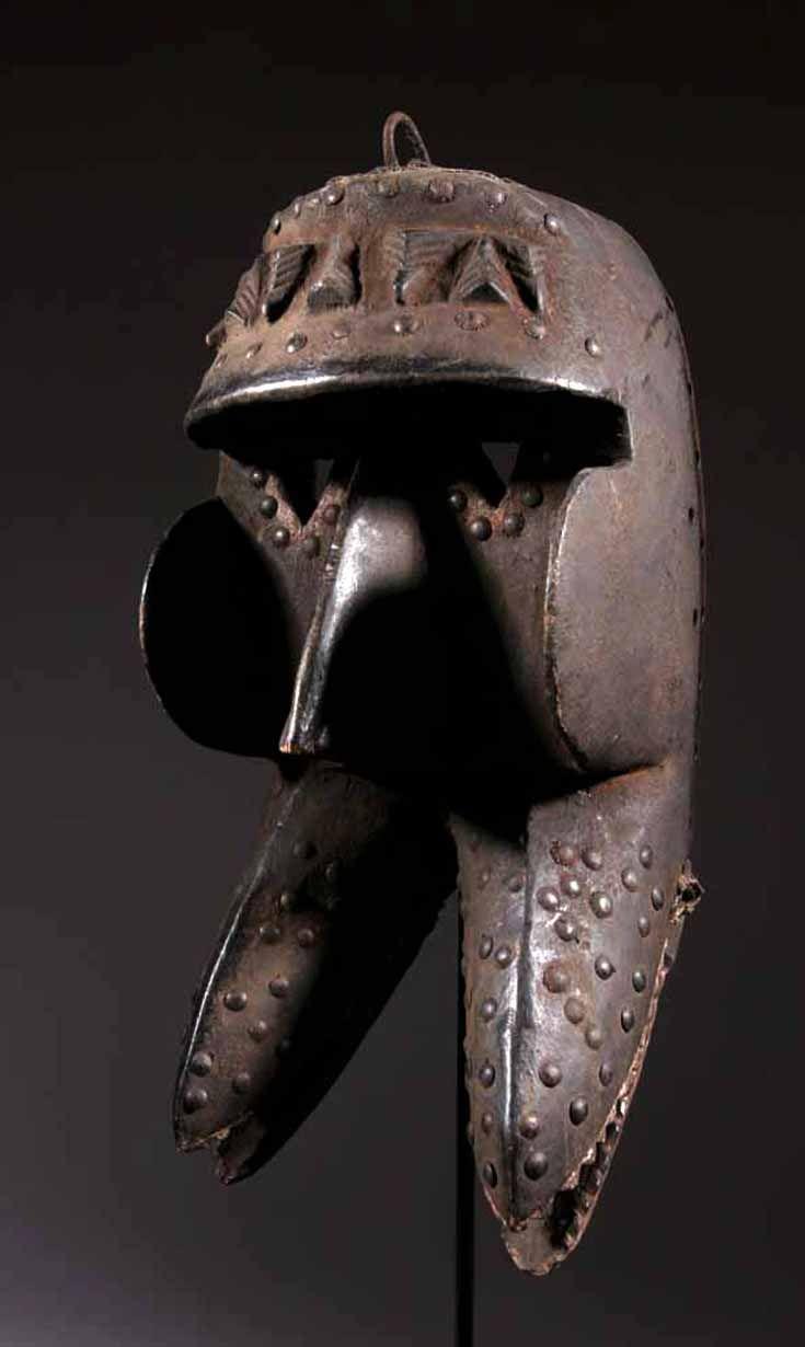 cc9e724fed513b5bcfc78ea26b28139f--africa-art-african-masks